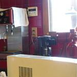 ババルーイ - 【2013.9追加写真】真っ赤なタイルが印象的