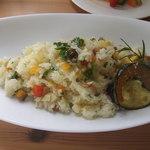 つばめ食堂 - 季節の野菜入りピラフ
