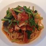 21176714 - 秋刀魚と小松菜のトマトソース