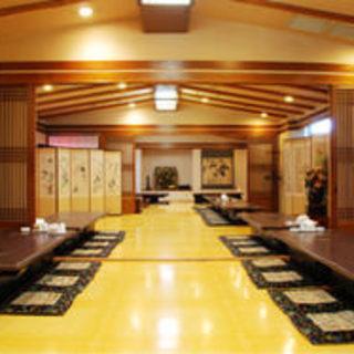 個室や大広間を御用意、80名までの宴会に対応可能です。