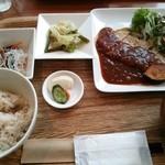 21178031 - 本日のお肉料理                       880円☆