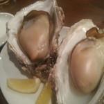 タイーム - 2013・9・1 巨大な岩牡蠣の焼き牡蠣