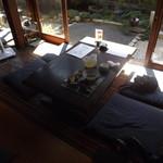 カフェ茶屋 珈夢 - お庭の見える場所でいただきました。最高です。 H25.9月撮影