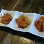 チーズタッカルビ&マッコリ トンマッコル - ランチの小皿