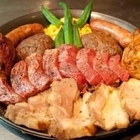 トゥッカーノグリル - 6種類のお肉合計1570gのデカ盛りテラプレート!!