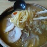 やま正食堂 - 特味噌ラーメンの麺