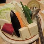 21192296 - 野菜は種類がすごく多い