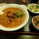 上海台所 - ランチの坦々麺と麻婆丼セット