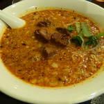 上海台所 - 坦々麺は挽肉ではなく角煮が入ってます