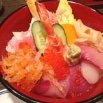 鮨 後楽 - ランチ。ちらし寿司。 白魚が美味でした。