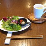 21197160 - サラダとスープ