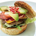 ABBOT KiNNEY - アボカド・ベーコン・チーズ ハンバーガー 1,200円 (ドリンクセット 1,400円、ランチセット 1,350円) ハンバーガーには全てポテトが付きます