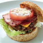 ABBOT KiNNEY - 厚切りベーコン・チーズ ハンバーガー 1,100円 (ドリンクセット 1,300円、ランチセット 1,250円) ハンバーガーには全てポテトが付きます