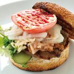 ABBOT KiNNEY - メキシカン ハンバーガー 1,100円 (ドリンクセット 1,300円) ハンバーガーには全てポテトが付きます