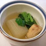 かくれ家 わたなべ - 煮物:冬瓜・自家製がんも。小松菜