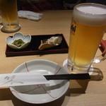 魚然 - まずはビール