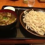甚五郎 - 肉づけのおうどん(知ると麺)