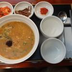 ボンジュクお粥 - 海鮮とカレー粥