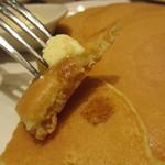 オリジナルパンケーキハウス - バターミルクパンケーキ カット