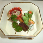 21210834 - 先付 : ずいき、枝豆、海老など 前菜の上品さに期待↑↑