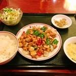 香港亭 - 定食セット ご飯お替り自由