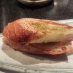 鉄板焼き ステーキ 千手 - ガーリックトースト