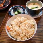 麺 銀三 - その日の炊き込みご飯とおかず