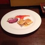 spoon - 前菜:鴨、サーモン、チーズラビオリ
