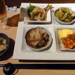 厨央林燗 徳 - 料理写真:おまかせ4点盛り&生ビール