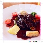 Hiko - とろけるビーフ赤ワイン煮込み