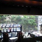 cafe' 喜庵 - 日中と夜とで雰囲気かガラリと変わるカウンター。