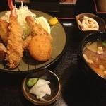 めし処 壬屋 - ミックス定食980円 豚汁150円  今日も来てしまった壬屋さん。エビフライ美味い。
