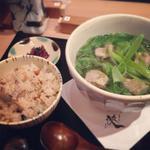 京都鴨そば専門店 浹 - 料理写真:浹(あまね)一押しの「鴨そば」と「かやく御飯」