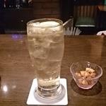 横浜ハイボール - ドリンク写真:横浜ハイボール(角)