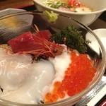 うみかぜ - 大間のマグロ海鮮山かけ丼+ミニ沖縄そば 1000円
