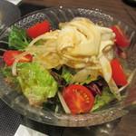 淡路島と喰らえ - 生湯葉とトマトのヘルシーサラダ