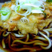 まさに、老舗のザッツ路麺!(^Q^)(艶会部長)-六文そば 三越前店
