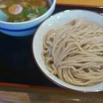 常勝軒 - つけ麺750円 中盛無料