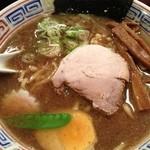 支那そば 三三五 - 三三五そばは、濃厚スープに太麺です