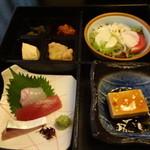 和菜蔵 椿屋 - 松華堂弁当の1段