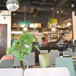 kawara CAFE&DINING - 店内
