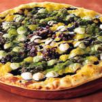シェーキーズ - 『抹茶と粒あんのマシュマロデザートピザ』秋の限定メニューです