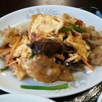 安東閣 - キクラゲ、豚、玉子がたっぷり♪ 値段の割りに旨い!