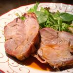 フランス田舎料理の店 ビストロ ベズ - コーストポークとサーモンとマスカルポーネのムース