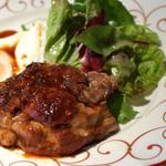 フランス田舎料理の店 ビストロ ベズ - 三元豚スネ肉のロースト&エッグ