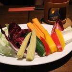 イタリアン大衆酒場HARUTA - 季節野菜のバーニャカウダ