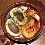 イタリアン大衆酒場HARUTA - アヒージョ (海老、烏賊、蛸)