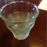 御菓子司 亀屋 - 料理写真:冷たいお茶
