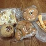 パンの夢工房 しほや - ムシパン、ライ麦フルーツクリームチーズ、栗のベーグル、芋食パン