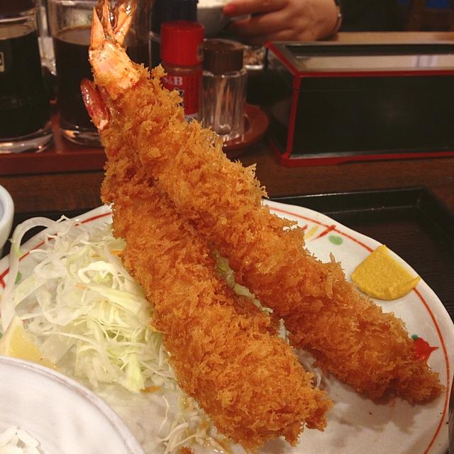 ときわ食堂 - 海老フライ定食。 巨大な海老!